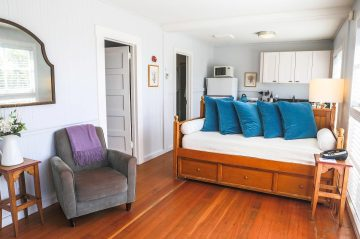 fuchsia cottage living room