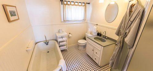 Heather Cottage's Bathroom