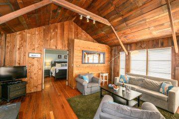 Ledford Cottage's Living Room