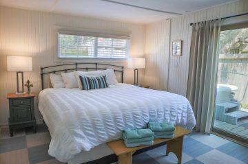 Pomo room's bedroom