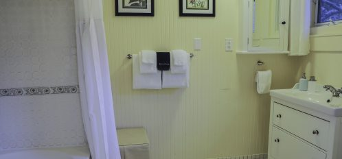 rose cottage bathroom