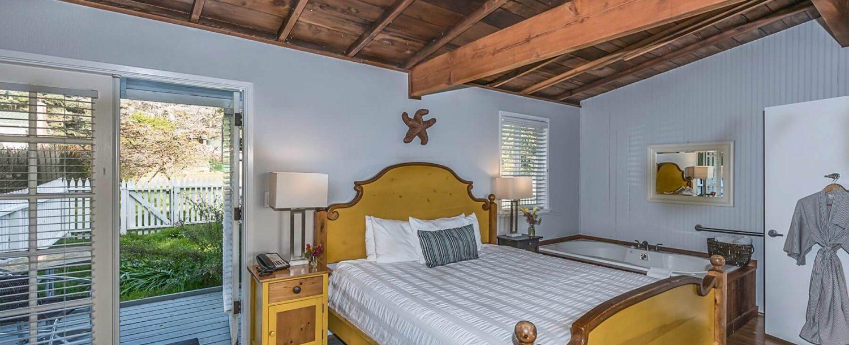 Thyme room's bedroom