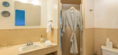 buckhorn room's bathroom