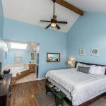whale watch lodge bedroom in mendocino ca